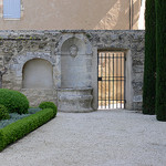 Jardin à Ménerbes by Jean NICOLET - Ménerbes 84560 Vaucluse Provence France