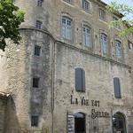 Ménerbes - La Vie est Belle par Andrew Findlater - Ménerbes 84560 Vaucluse Provence France