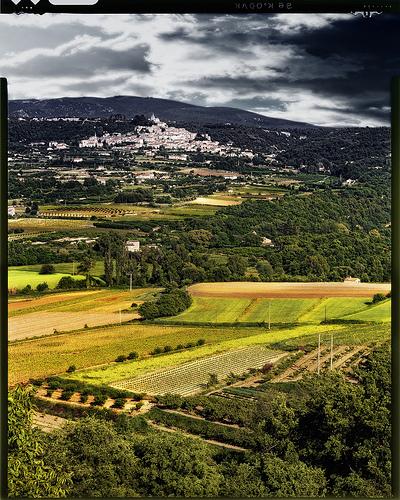 Paysage de provence : Ménerbes par Patrick Bombaert