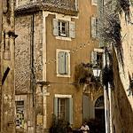 Ménerbes - la ruelle par ]babi] - Ménerbes 84560 Vaucluse Provence France
