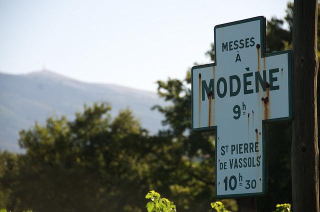 Modène : Ponctualité divine au pied du Ventoux (Vaucluse - Modène) par zadoujulouced