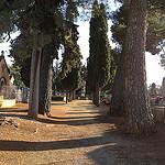 Cimetière de Villes-sur-Auzon à la Toussaint par gab113 - Villes sur Auzon 84570 Vaucluse Provence France