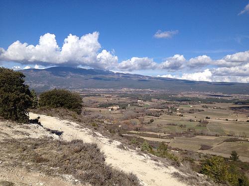 Le sommet du Mont-ventoux dans les nuages par gab113