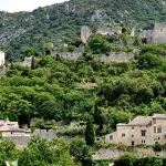 Village dans la nature : Oppède-le-vieux par franc/34 - Oppède 84580 Vaucluse Provence France