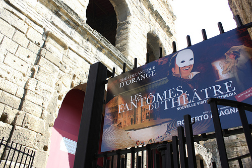 Théâtre Antique d'Orange : les fantômes du Théâtre par Cilions