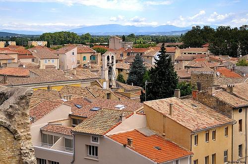 les toits d 39 orange orange vaucluse we love provence. Black Bedroom Furniture Sets. Home Design Ideas