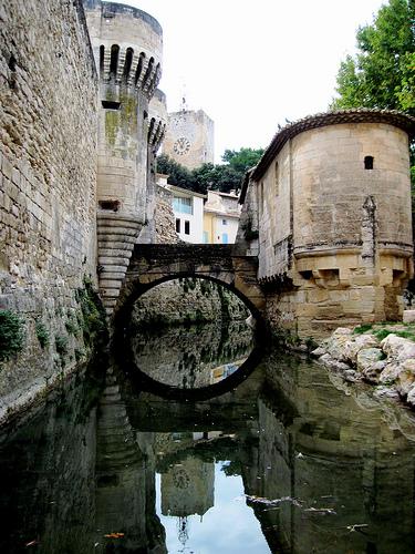Pernes - Along the fortified city par Sokleine