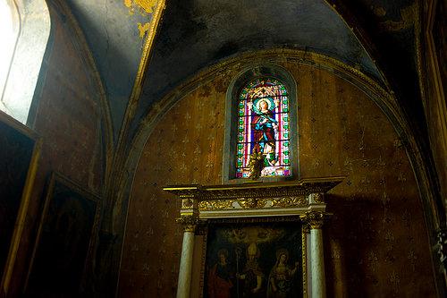 Intérieur de l'église de Pertuis et vitrail by ebtokyo