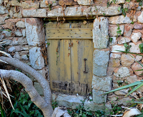 La petite porte mystérieuse by christian.man12