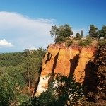 Falaise ocre de Roussillon par sguet1 - Roussillon 84220 Vaucluse Provence France