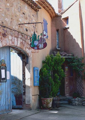 Boutique à Roussillon par jackie bernelas