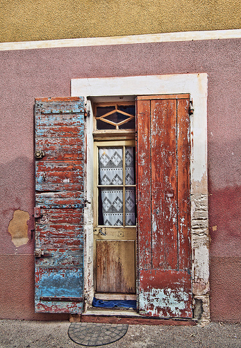 Doorway in Roussillon by philhaber