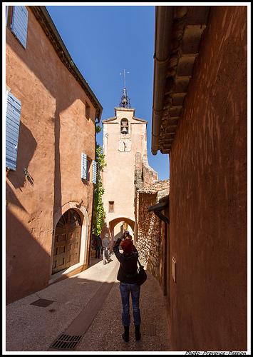 La tour clocher de Roussillon by Photo-Provence-Passion