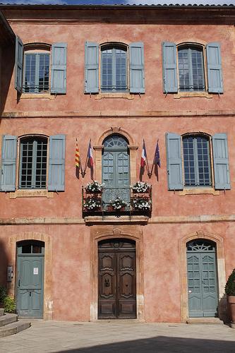 Mairie - Roussillon par Jen.Cz