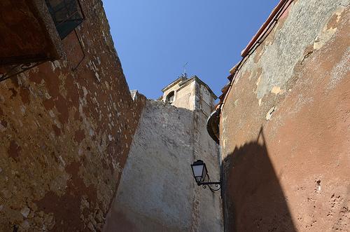 Provence - les murs ocres de Roussillon by Massimo Battesini