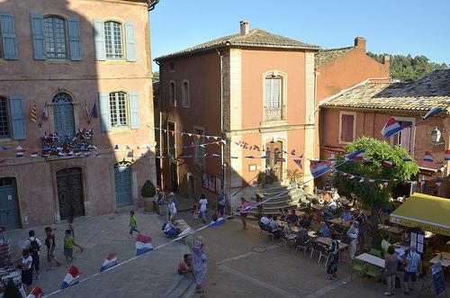 14 juillet... fête nationale sur la place ! by Massimo Battesini