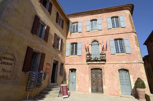 Mairie de Roussillon par Massimo Battesini