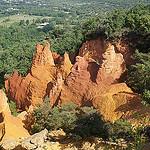 Colorado Provençal : contraste orange et vert saisissant by sabinelacombe - Rustrel 84400 Vaucluse Provence France