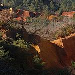Paysage des Ocres du Colorado provençal par Michel Seguret - Rustrel 84400 Vaucluse Provence France
