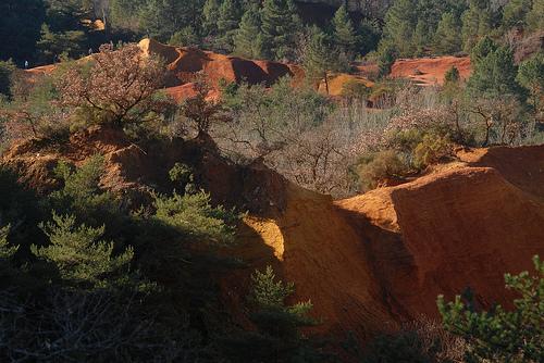 Paysage des Ocres du Colorado provençal by Michel Seguret