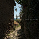Sentier à Saignon par Mario Graziano - Saignon 84400 Vaucluse Provence France