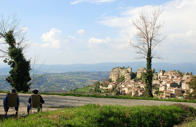 Enjoying the view (Vaucluse - Saignon) by ESB-nyc