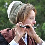 Fête de la Lavande : La joueuse de flûte par Idealist'2010 - Sault 84390 Vaucluse Provence France