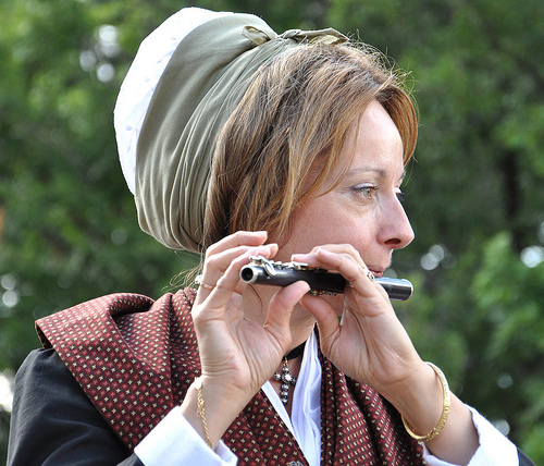 Fête de la Lavande : La joueuse de flûte by Idealist'2010