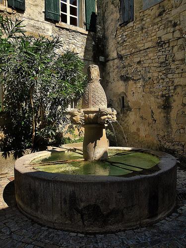 Fontaine de Séguret par de Provence et d'ailleurs