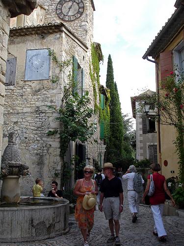 Place du village - Séguret par cpqs