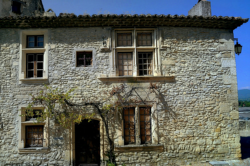 Maison de pierres by Gilles Poyet photographies