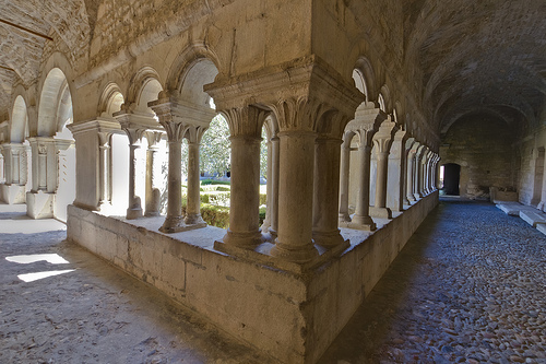 Vaison-la-Romaine - The cloister of the cathedral by spanishjohnny72