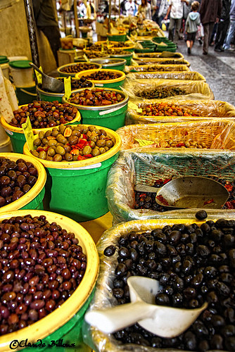 Marché provençal aux olives by Billblues