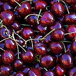 Cerises rubit sur le marché de vaison par Gilles Poyet photographies - Vaison la Romaine 84110 Vaucluse Provence France