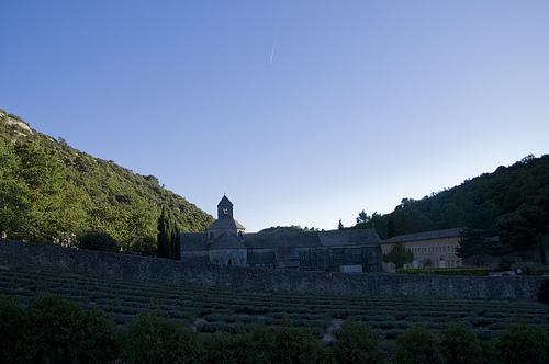 Abbaye de Sénanque à l'ombre par MaJuCoMi