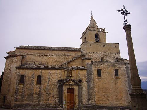 Eglise de Venasque par fgenoher