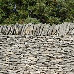 Mur de pierres façon borie par gab113 - Villes sur Auzon 84570 Vaucluse Provence France