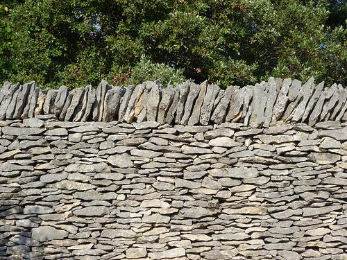 Mur de pierres façon borie par gab113