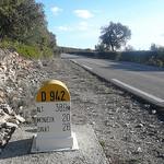 Route touristique - borne kilométrique D942 par gab113 - Villes sur Auzon 84570 Vaucluse Provence France