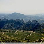 Dentelles Montmirail vue depuis les Dentelles Sarrasines par sabinelacombe - Lafare 84190 Vaucluse Provence France