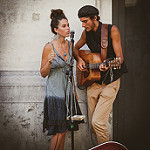 Couple de musiciens - Festival d'Avignon 2016 by Rémi Avignon - Avignon 84000 Vaucluse Provence France