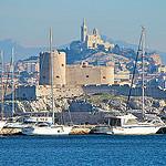 Marseille, le port et Notre Dame de la Garde par Alpha Lima X-ray - Marseille 13000 Bouches-du-Rhône Provence France
