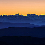 La dentelles du relief des alpes depuis le Mt Ventoux. par  - Bédoin 84410 Vaucluse Provence France