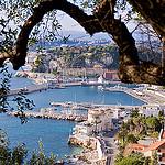 Port de Nice vu des hauteurs de la ville par Bomboclack - Nice 06000 Alpes-Maritimes Provence France
