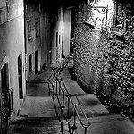 Ruelle - Avignon backstreet B&W par fiatluxca - Avignon 84000 Vaucluse Provence France