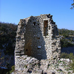 Tour en ruine au fort de Buoux ... by jean.avenas - Buoux 84480 Vaucluse Provence France