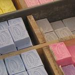 Marché : les couleurs jusque dans les savons by Andrew Findlater - St. Rémy de Provence 13210 Bouches-du-Rhône Provence France