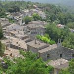 Le village de Menerbes en Provence par Andrew Findlater - Ménerbes 84560 Vaucluse Provence France