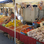 Légumes : Eygalieres market, Provence by Andrew Findlater - Eygalieres 13810 Bouches-du-Rhône Provence France
