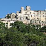 Château du Barroux surplombant la ville by Vins64 - Le Barroux 84330 Vaucluse Provence France